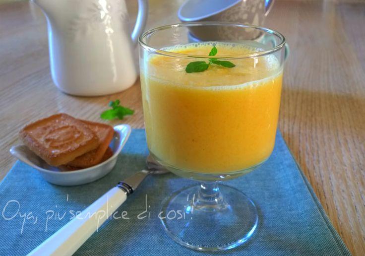 Frullato frutta e yogurt, ricetta semplice. http://blog.giallozafferano.it/oya/frullato-frutta-e-yogurt-ricetta-semplice/