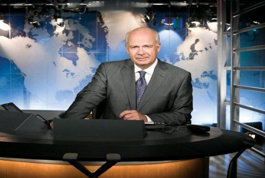 Peter Mansbridge at the CBC anchor desk. (Oct. 27, 2009)