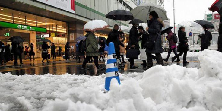 Pertama Sejak 54 Tahun, Salju Turun November di Tokyo
