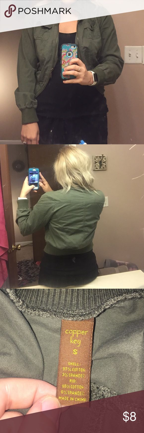 Army Green Utility Jacket! Size small Copper Key utility jacket! I loved this jacket for so long, but hardly wore it because it was shoved to the back of my closet! It looks great with basically anything! Copper Key Jackets & Coats Utility Jackets