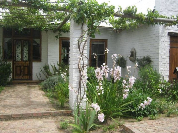 River Goose - River Goose is situated in the village of Greyton in the Cape Overberg.The fully equipped room has a double bed and an en-suite bathroom. There is a private entrance, a patio with a table and chairs, Wi-Fi ... #weekendgetaways #greyton #southafrica