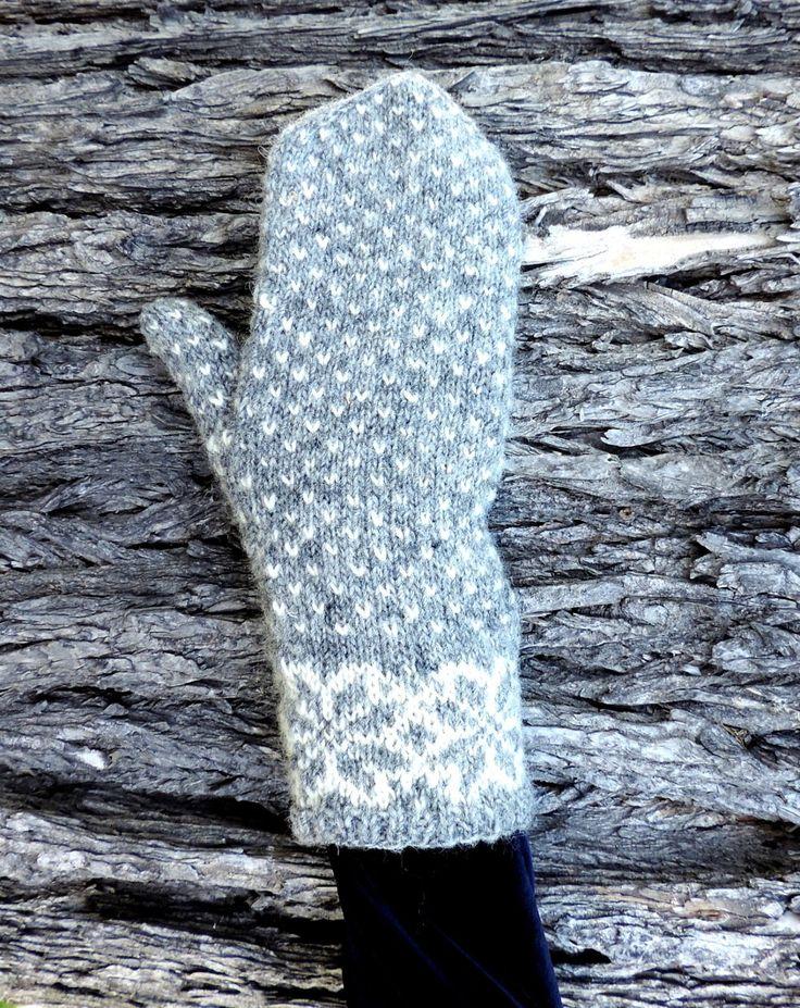 http://ramwools.com/designs/ram-wools-designs/new-nordic-mittens-briggs-and-little-durasport.html