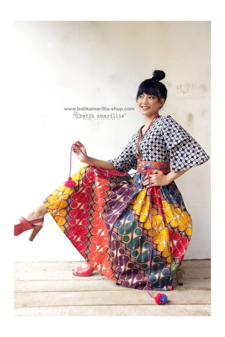 It's BACK! Order now at Batik Amarillis webstore www.batikamarillis-shop.com , the combo of colorful gorgeous parang barong and kawung banyumas in Batik Amarillis Amarantha dress Batik Amarillis maintains its distinct modern-bohemia signature-modest yet unabashedly romantic. Wear it with or without belt, this V neck dress has slimming silhouette with its tiered bell sleeves plus full skirt.