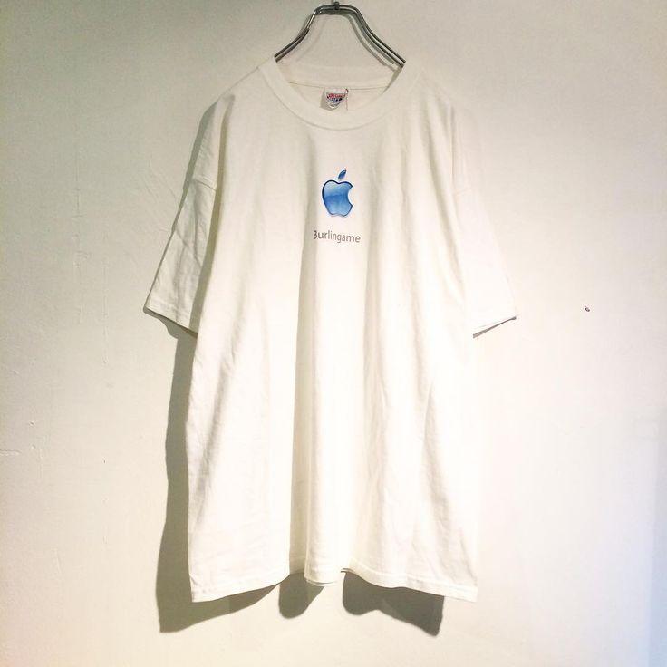 apple-motif-TEE - ¥7200 - 1998年のアップル社のロゴが施されたTシャツ。 サイズもXLとビッグサイズでダボっと着れます。 シンプルな白Tとしてつかえて且つ差のつけられる一枚。 - ■0.14■ - ■渋谷区神宮前3-15-8シャンブル15-201号室■ - ■通販はDMもしくはTEL・03-6447-0941迄■ - #reitenichiyon #fashionstore #vintage #used #原宿 #古着 #古着屋 #ユニセックス#90s #00s #10s #harajuku #fashion #code #photography #mode http://tipsrazzi.com/ipost/1504885945752989543/?code=BTibctgFa9n