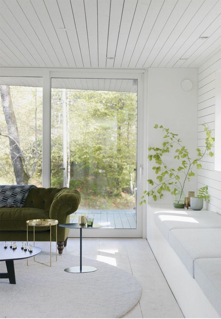 Den norsk-canadiske arkitekt Todd Saunders bor i Norge med sin familie. Kom inden for i hans minimalistiske hjem med arkitektonisk stil her!