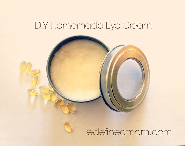 The best homemade DIY Anti Aging Eye Cream | RedefinedMom.com