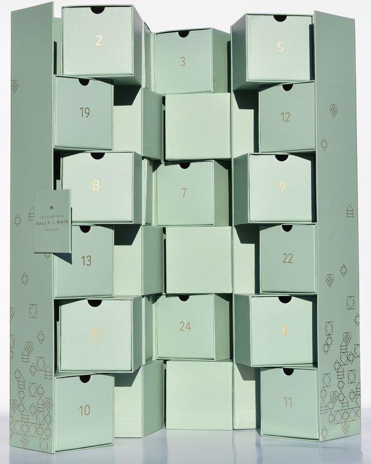 """Yes its #big! Og du kan få den til dit team, gruppe eller familie lige til døren! "" Wally And Whiz Christmas Calendar - Design by Mie Matilda #julekalender2017 #wallyandwhiz #åretsjulekalender2017"