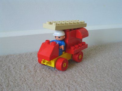 Duplo building ideas for Mac:  fire truck with ladder
