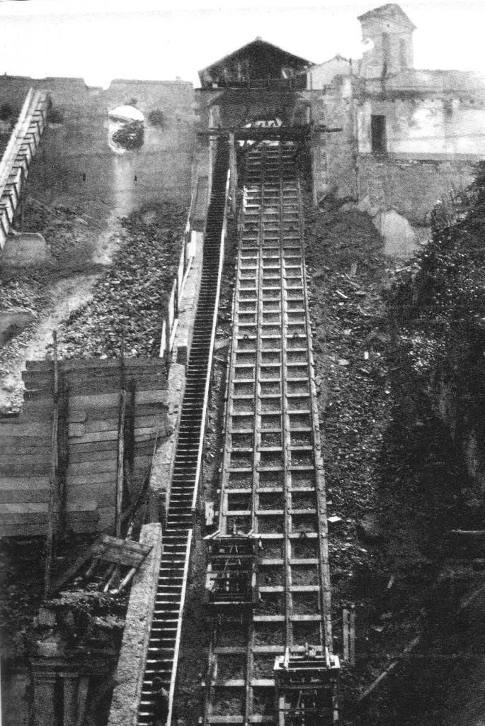 Funicolare per il trasporto dei materiali da costruzione sul Vittoriano