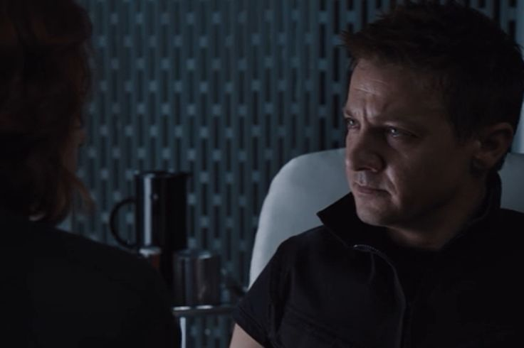 Hawkeye recovers in The Avengers with the help of a black Stelton jug and Black Widow