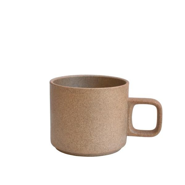 The Hasami Brown Mug is stackable with other Hasami mugs, small oak or walnut tray, small plate, sugar pot, and milk pitcher. Mix and match with Black or Gloss Gray Hasami tableware and oak or walnut trays.  As Hasami products are handmade and handglazed, please note that there may be slight var...