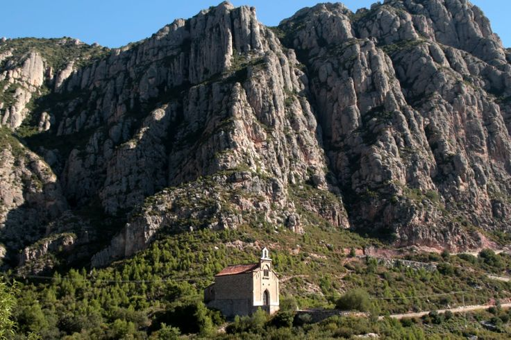 Ermita de la Salut, camí de les Coves de Salnitre de Collbató (Catalunya - Catalonia)