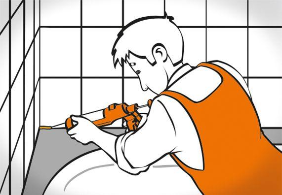 Heimwerker füllt Silikonfugen an der Badewanne mit einer Auspresspistole auf.