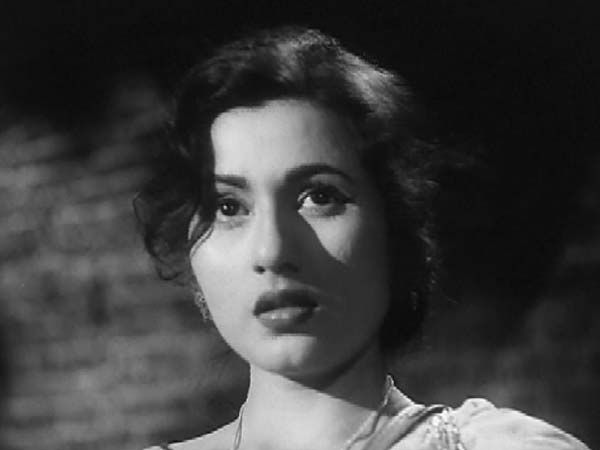Madhubala, the 'Marilyn Monroe' of India: See Rare and Unseen Pictures - Oneindia Entertainment