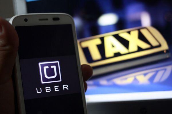 El Supremo comienza a dar un aluvión de licencias a Cabify y Uber en plena batalla con el taxi