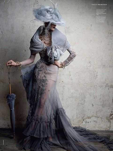 Belle epoque   Can't really call this my own style,but beautiful - I'd have loved to live then and wear this! :)