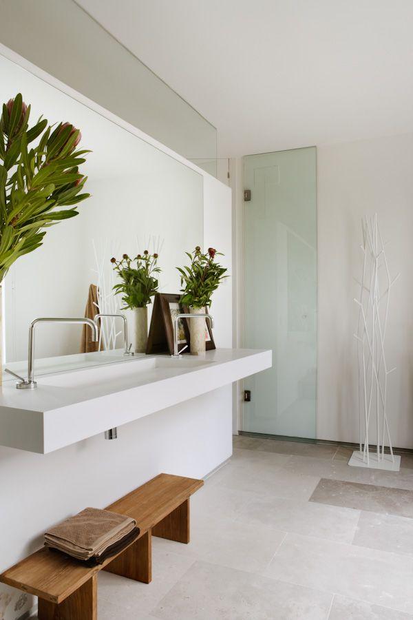 ~ sleek bathroom + wood accents + greens