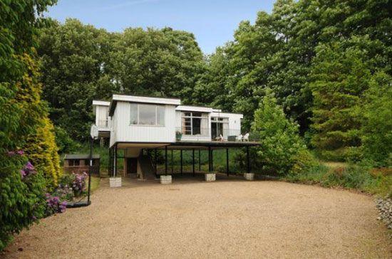 Best 25 house on stilts ideas on pinterest for Stilt homes for sale