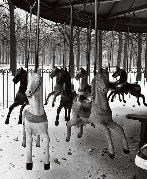 Manège du jardin des Tuileries, 1950.