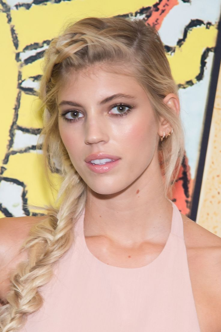 Devon Windsor at Alice + Olivia