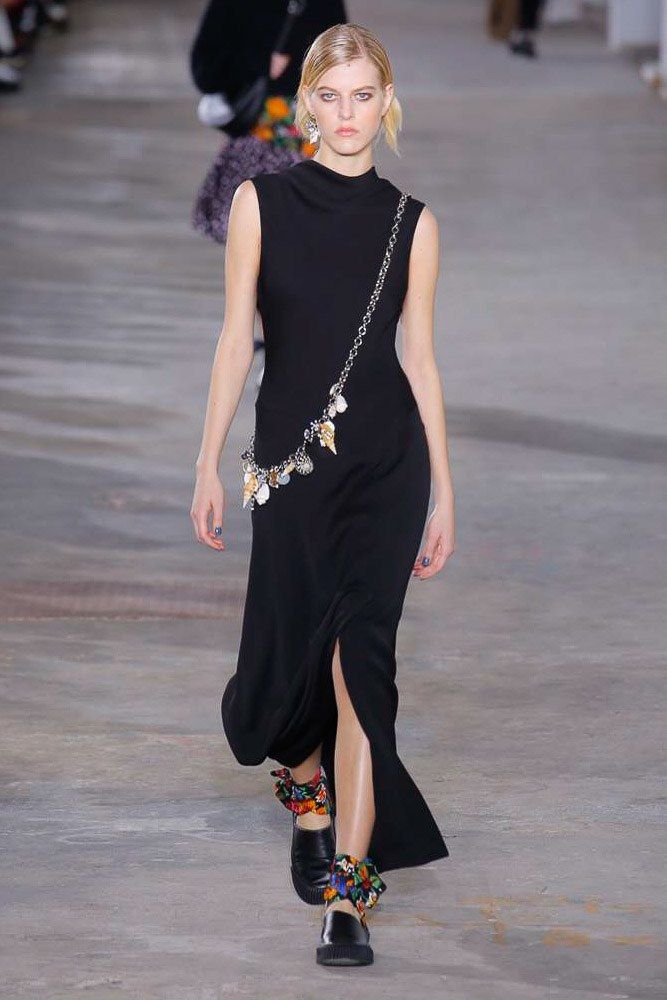 The complete 3.1 Phillip Lim Fall 2018 Ready-to-Wear fashion show now on Vogue Runway.