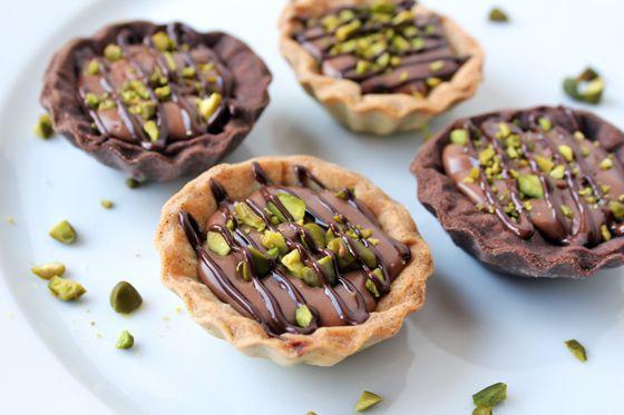 Små karameltærter med pistacienødder