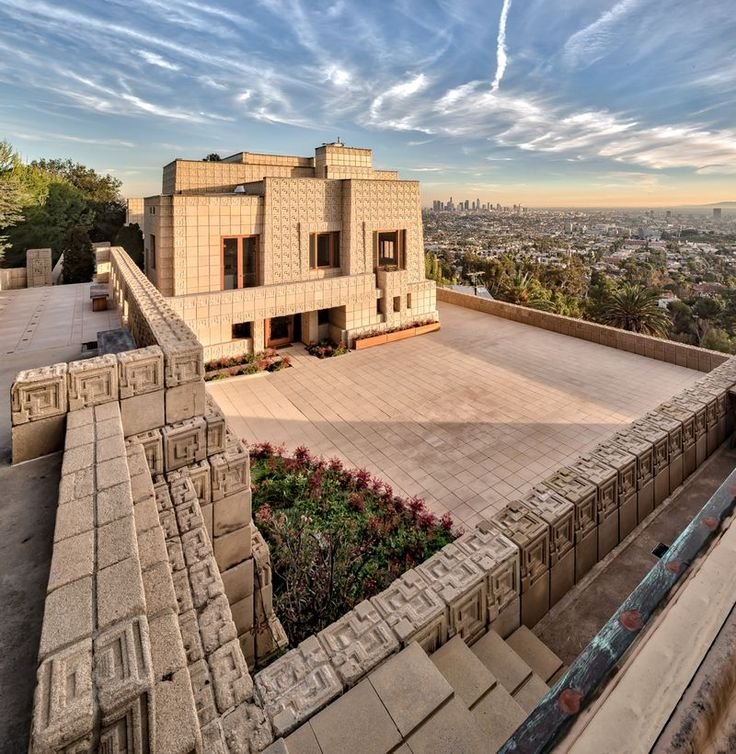Photographing Frank Lloyd Wright, a lensman sets out to capture every project - Curbed