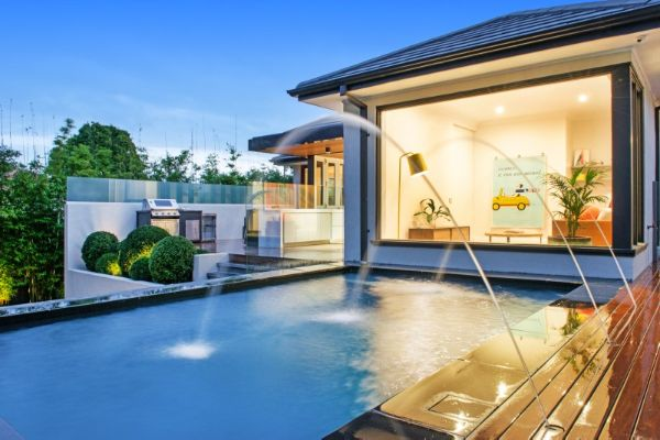 Deck Jets on the elevated Albatross Pool featured on Channel Ten's TV Series The Home Team