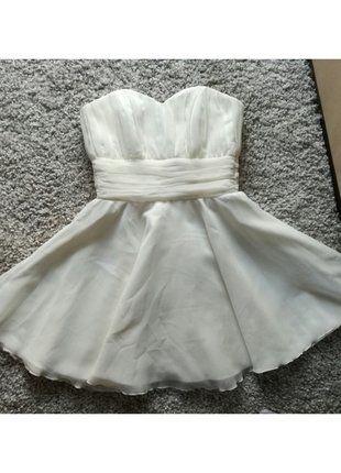 Kup mój przedmiot na #vintedpl http://www.vinted.pl/damska-odziez/sukienki-wieczorowe/16118352-krotka-biala-sukienka-tiulowa-delikatna