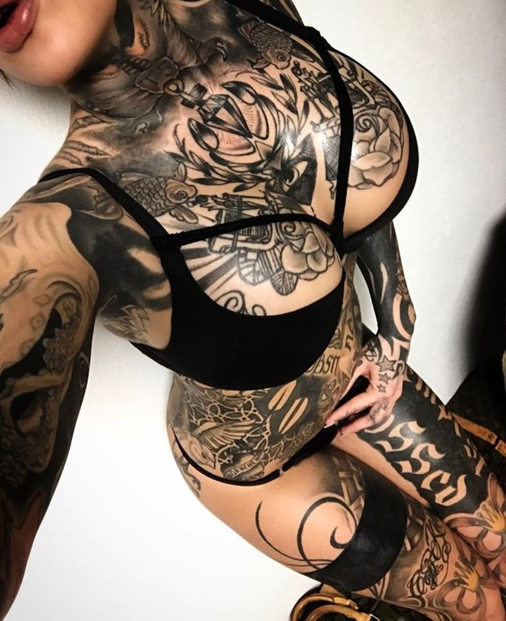 Love this leg stocking tattoo idea