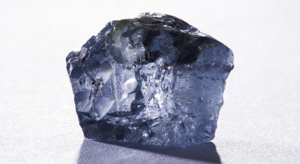 Descubren finísimo diamante de 232 quilates que valdría más de 10 millones de dólares