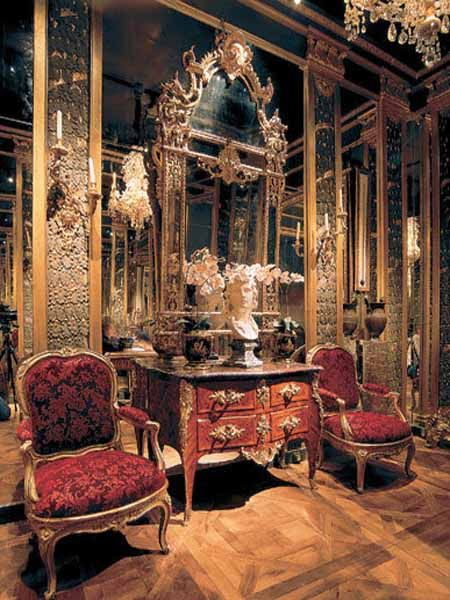 98 best traditional rokoko louis xv images on pinterest for Decoracion de interiores luis xv