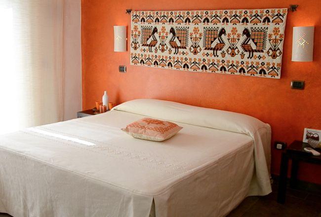 Oltre 1000 idee su camera da letto con arazzo su pinterest - Arredare parete camera da letto ...