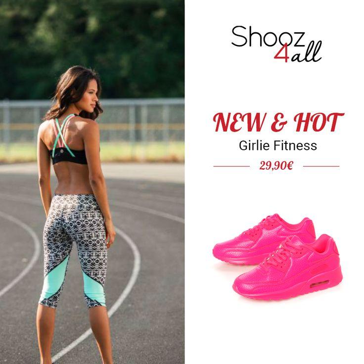 Σε άκρως καλοκαιρινό και κοριτσίστικο φούξια χρώμα, γυναικεία αθλητικά παπούτσια…