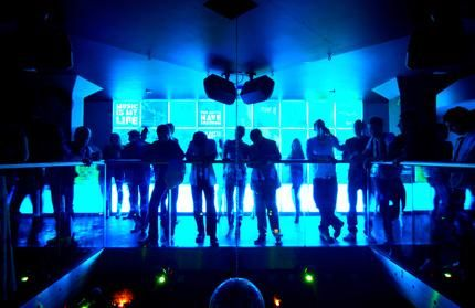 How to get into the clubs - Las Vegas travel tips