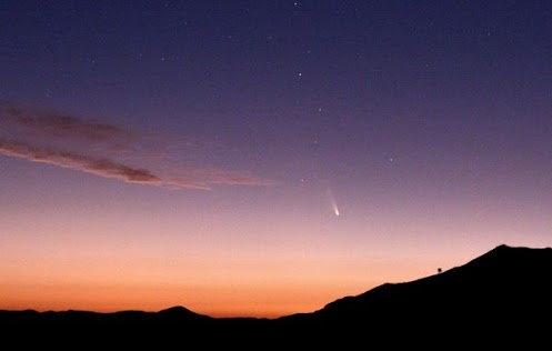 Sillouetted against the craggy mountains around Vicuña, Chile (map), a tiny comet pierces the twilight skies. Emilio Lepeley caught sight of Pan-STARRS on March 5 while it was still heading towards the Sun, but at its closest distance to Earth at 100 million miles (160 million kilometers).