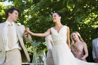 Cute little informational blog about how to keep an outdoor reception fun and formal.