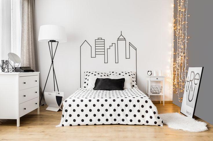 Farbami Beckers Designer Colour można pomalować nie tylko całą powierzchnię ściany, ale także narysować ozdobne grafiki. Co powiecie na tak nowatorskie wezgłowie łóżka?