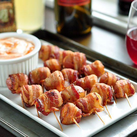Potato Bacon Bites: Sour Cream, Baconwrap Potatoes, Bacon Wraps Potatoes, Bacon Potatoes, Olives Oil, Dips Sauces, Potatoes Bites, Parties Recipes, Hot Sauces