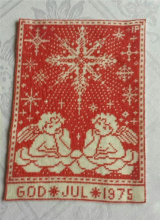 Liten väggbonad med handbroderade änglar och GOD JUL 1975 på Tradera.com