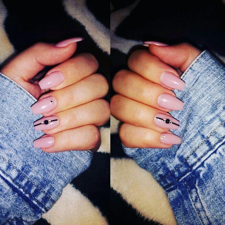 #nails #nudenails