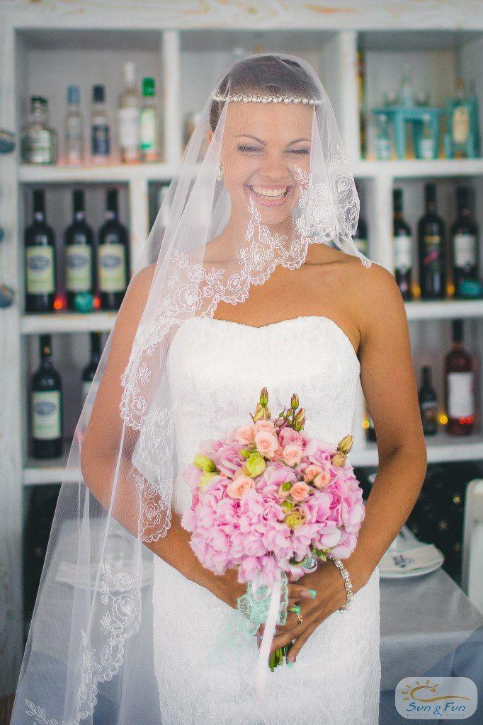 Bride Violetta, Santorini bride
