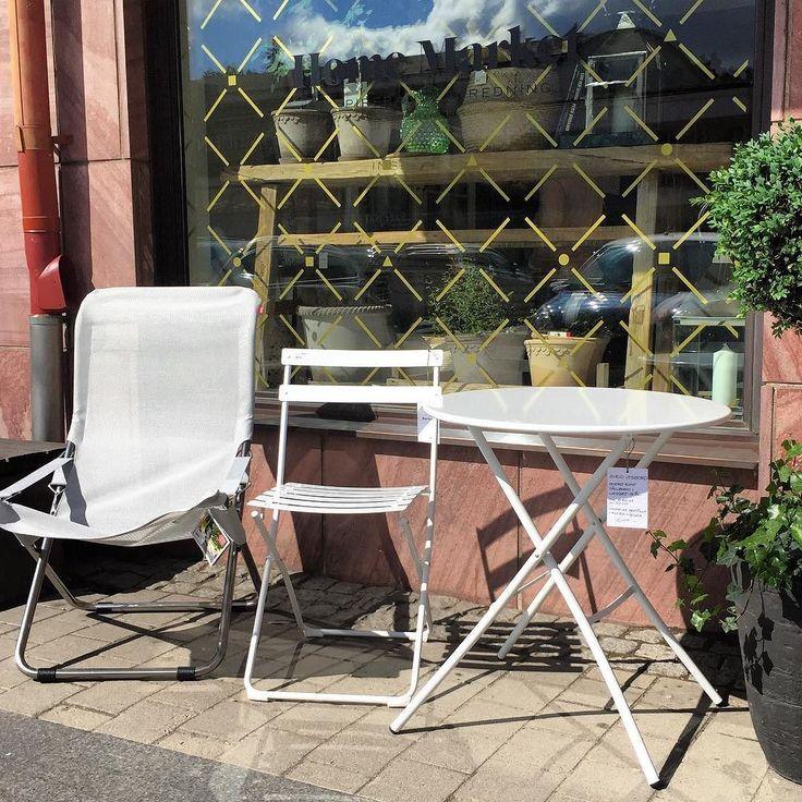 Nu har vi fått leverans av utemöbler från italienska Fiam. Solstol 1399:- Bord 1249:- Stol 799:-. Fler färger finns. Kom förbi så berättar vi mer. #utemöbler #balkong #solstol #fiesta #spring #sirio #fiam #furniture #homemarketalvikstorg #alvikstorg by homemarketalvikstorg