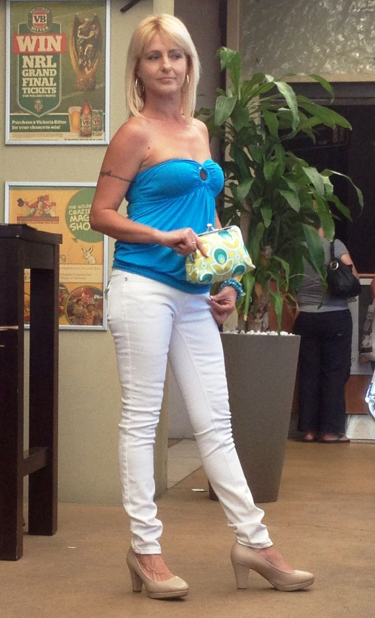 Teal boob tube and white stud jeans from Fashion Me. Love the clutch to go with it from Zella Bella!
