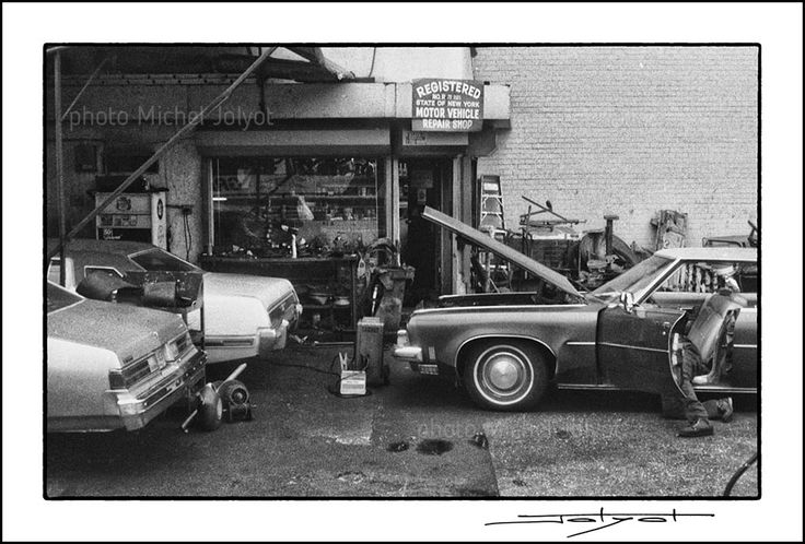 New-York 1981 - photo Michel Jolyot. #newyork #garage #noiretblanc #bw #bwphotography #photomicheljolyot #jolyot