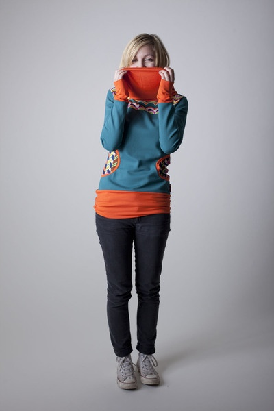 Pullover mit buntem Retro Muster // Pullover with retro pattern by sorted-clothing via DaWanda.com