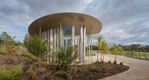Google Image Result for http://panfilocastaldi.files.wordpress.com/2013/04/20130404-australian-garden-shelter.jpg