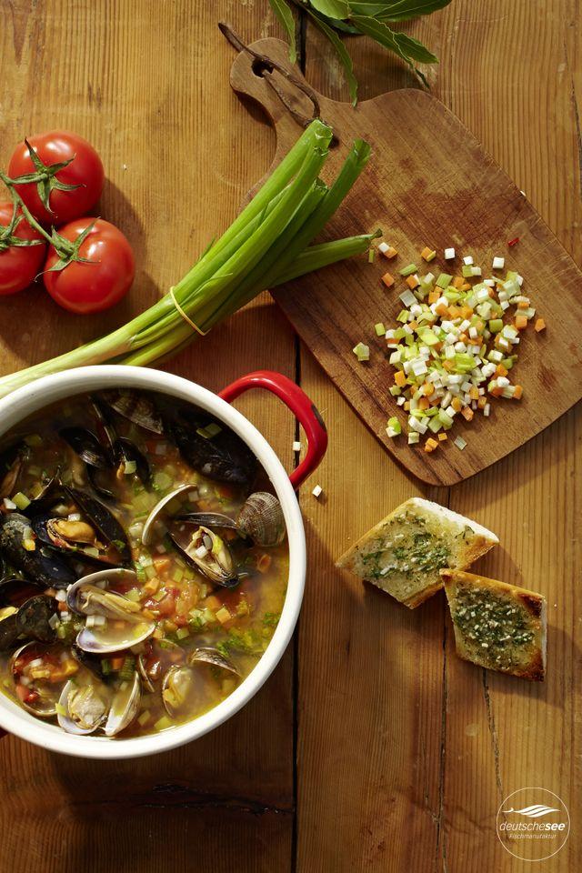 mediterrane Muschelsuppe