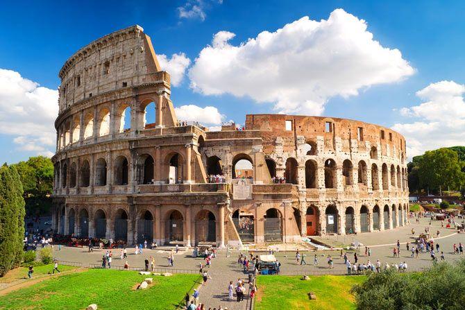 Чудо света. Римский Колизей в Италии.