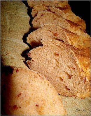 Limara péksége: Bagett aszalt paradicsommal, parmezánnal, csilivel